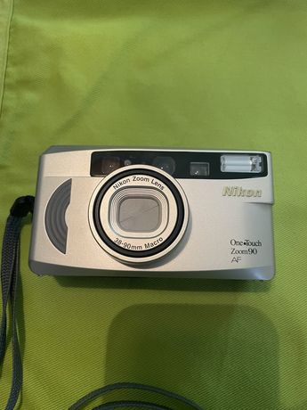 Máquina Fotográfica Nikon OneTouch