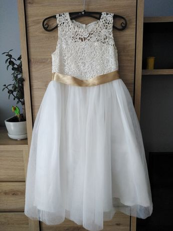 Piękna Sukienka na 128/134