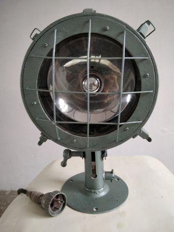 Прожектор СС 890 М - морского исполнения.