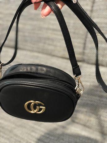 Чёрная сумочка гуччи