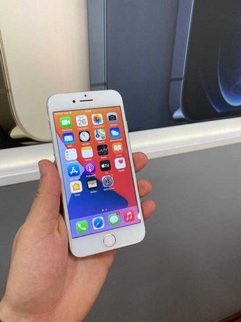 iPhone 8 64GB Silver Grade A - Garantia Loja