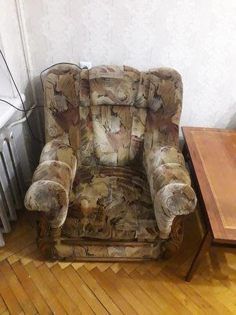 Крісла та розкладний диван