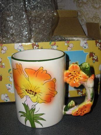 Подарочный набор из двух чашек в коробочке новый