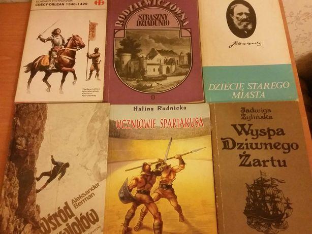 Zestaw książek literatura historyczne  obyczajowe podróże góry