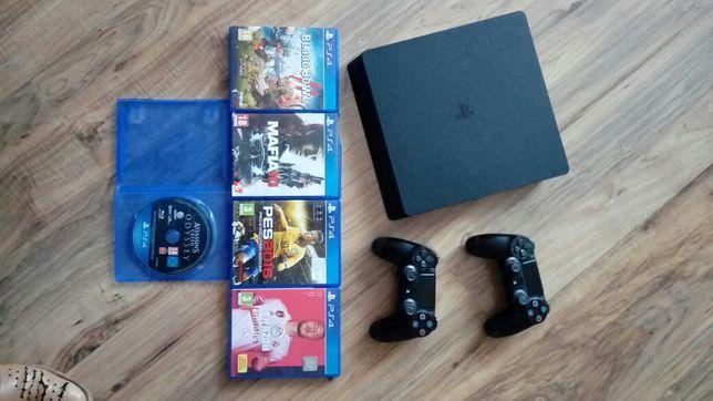 PS4 1tb+2 pady i gry