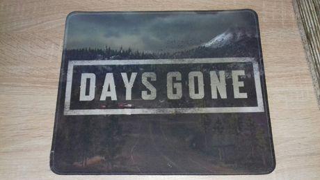 Podkładka pod mysz koputerową nawiązująca do gry Days Gone 30cm × 25cm