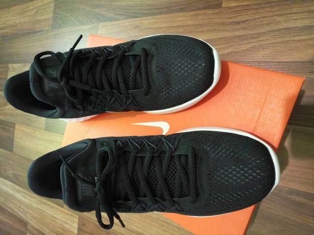 Продам оригинальные кросовки NIKE LUNAR SKYELUX