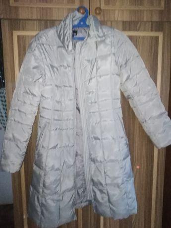 Продам белую куртку