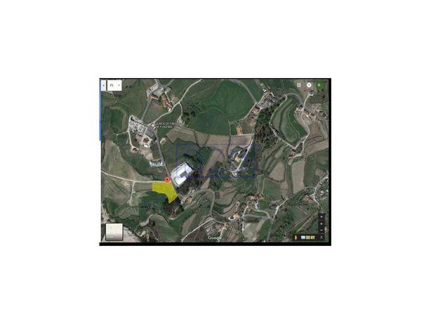 Terreno urbano para construção com 3670m2 em Figueiró, Am...