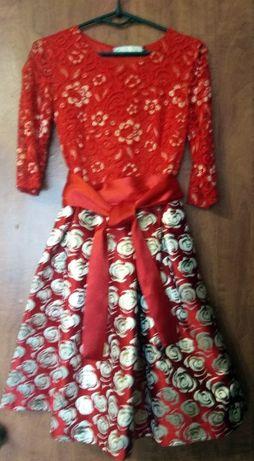 Продам нарядное платье на девочку 3-5 класс