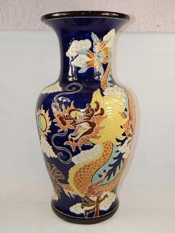 Большая фаянсовая ваза. Высота 53 см. Роспись драконы, цветная эмаль,