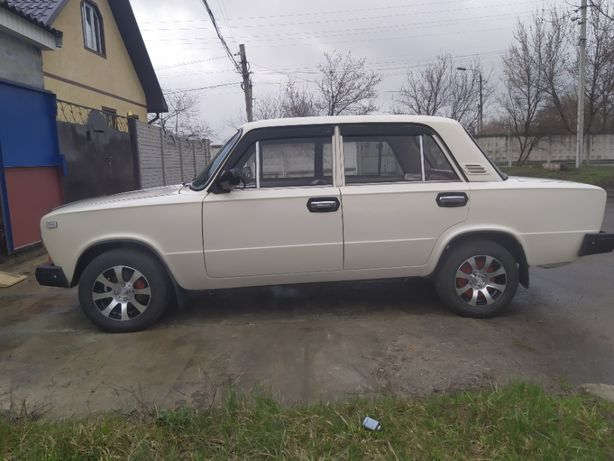 """ВАЗ-21011 идеальная """"копейка"""""""