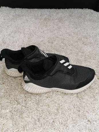 Крассовки adidas для мальчика 37 38