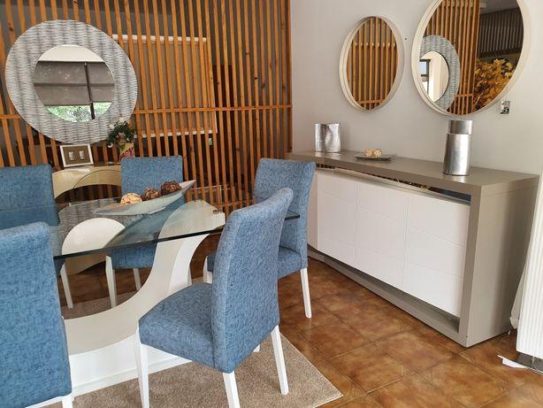 Sala de jantar lacada branco e carvalho côr taupe