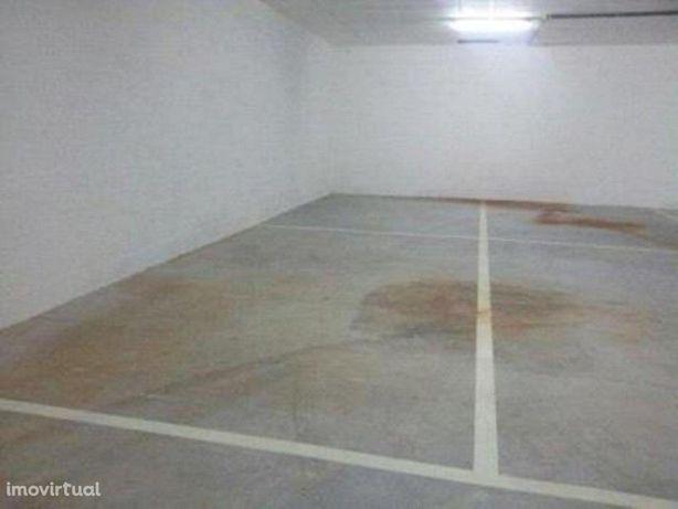 Novidade - Garagem 36m2 - Imóvel de Banco