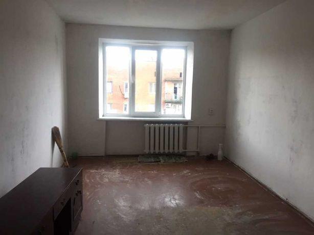 Гуртожиток. 49кв.м. дві окремі кімнати в секції на 3-х. власників!