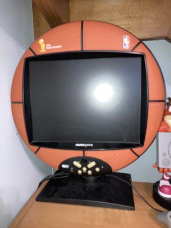 Telewizor monitor piłka do kosza