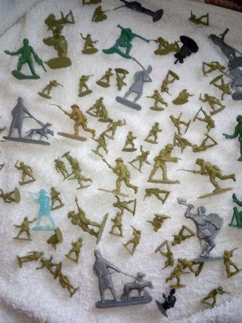 Żołnierzyki figurki mini