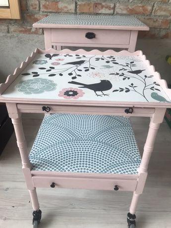 Stoliki do pokoju dzieciecego- 2szt- rożowe pamalowane z naklejka
