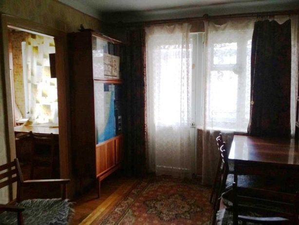 Сдам 2 комнатную квартиру на среднем этаже на Довженко