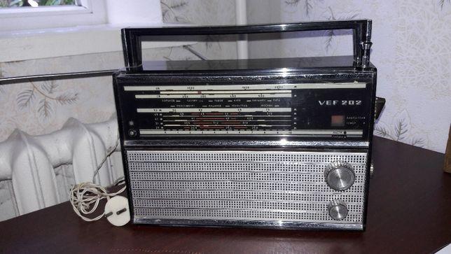 Радиоприемник производства Прибалтика