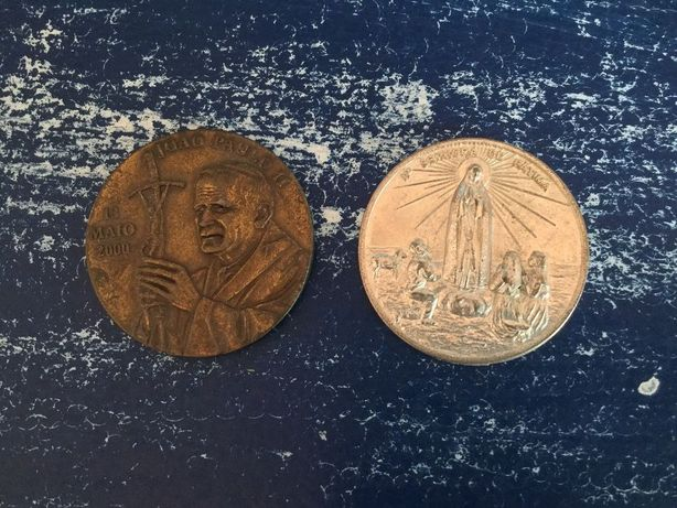 02 medalhas comemorativas Correio da manhã de 2000 e 2002 Fátima e Joã