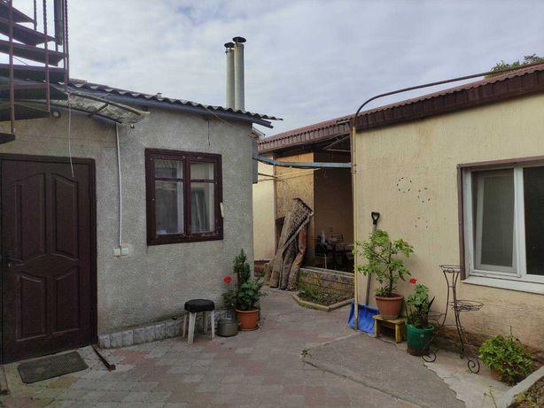 Керченская/Кишиневская:два дома на участке для жилья и бизнеса