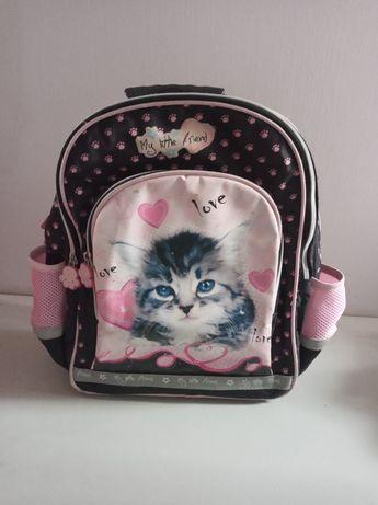 Plecak dla dziewczynki z kotkiem do szkoły