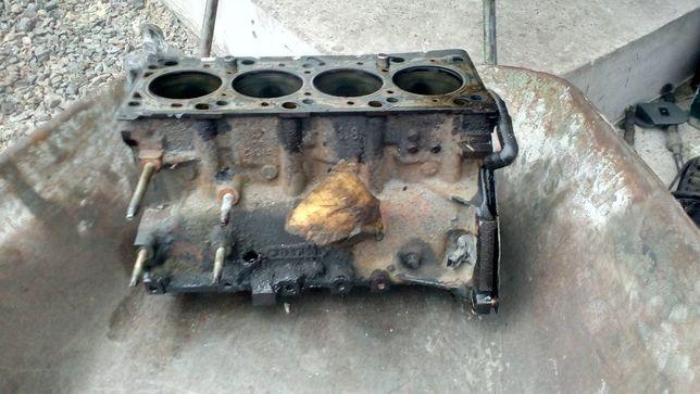 Блок двигуна Форд Фокус 1