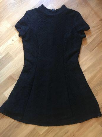 sukienka mała czarna ażurowa koronka sinsay koktajlowa wesele stójka