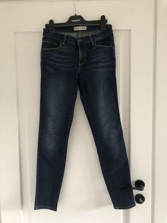 Spodnie jeansy elastyczne  guess 27 M