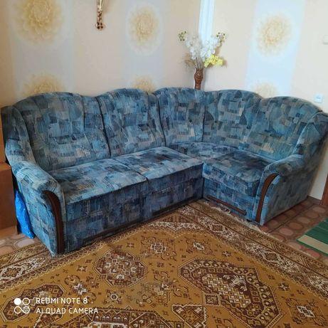 Продам кутовый диван