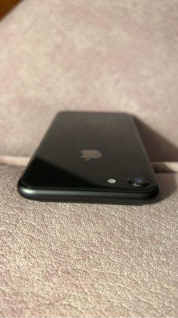 Iphone 8 64GB em bom estado