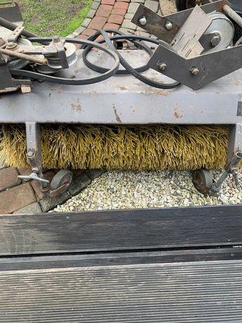Szczotka zamiatarka do kosiarki traktorka Kova 100cm