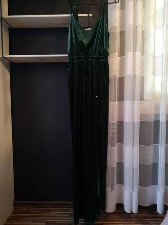 Długa zielona suknia