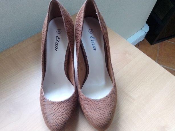 sapatos Etam castanhos