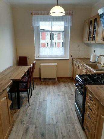 Mieszkanie 3-pokojowe w kamienicy + garaż i pomieszczenie gospodarcze.