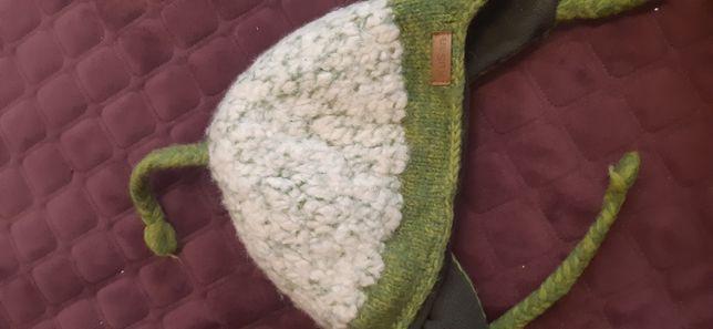 Продам зимнюю шапку