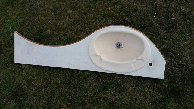 Umywalka z blatem przyczepy kempingowej kampera