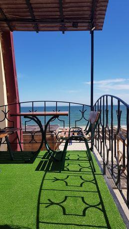 Первая линия моря в пляжном отеле, номер с террасой