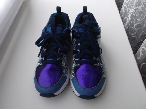 Кроссовки для девочки 32-32,5 размер Clarks Камбоджа