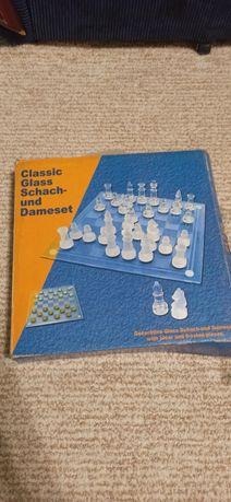 Стеклянные шашки и шахматы