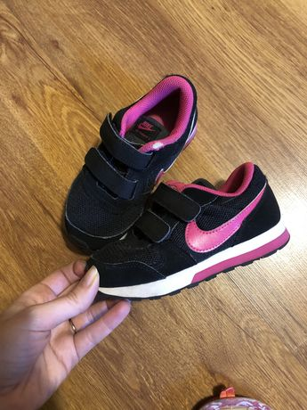 Кроссовки Nike для девочки 26 размер