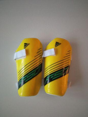 Ochraniacze piłkarskie dziecięce adidas F-50 rozmiar L