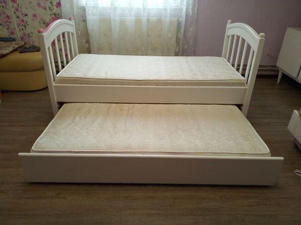 Ліжко для 2 дітей з матрацами