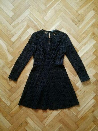Czarna koronkowa ażurowa sukienka z falbankami żabotem retro goth Zara