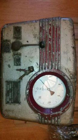 Stary zabytkowy kompresor