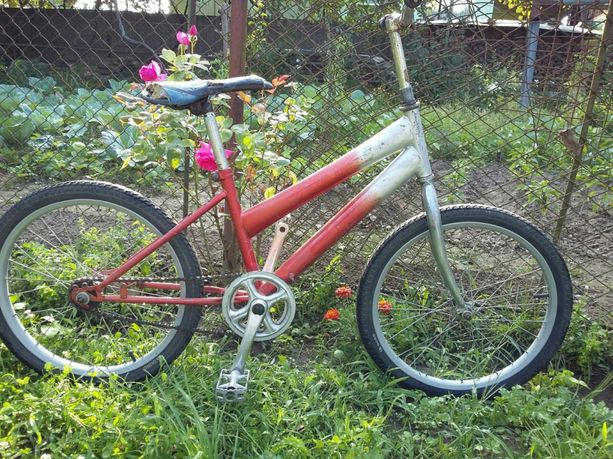Велосипед салют колеса 20 р.