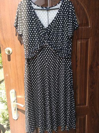 Sukienka w groszki r 42