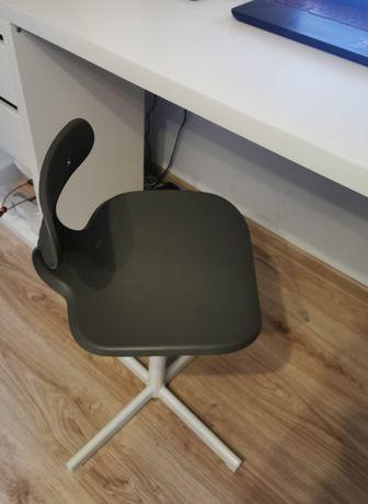 krzesełko do biurka dla dziecka